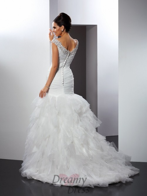 Trumpet/Mermaid V-neck Cathedral Train Tulle Wedding Dress