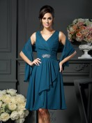 A-Line/Princess V-neck Chiffon Knee-length Mother of the Bride Dress