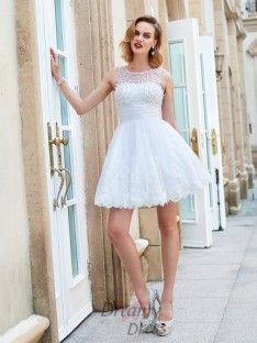A-Line Jewel Sleeveless Pearls Short Lace Dresses