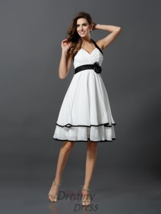 A-Line/Princess Halter Chiffon Knee-Length Dress