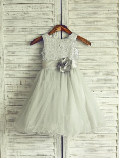 A-line/Princess Scoop Floor-length Net Flower Girl Dresses with Hand-made Flower