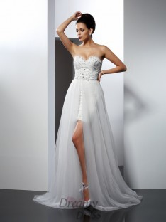 A-Line/Princess Sweetheart Chapel Train Tulle Wedding Dress