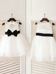A-line Scoop Floor-length Tulle Flower Girl Dresses with Bowknot