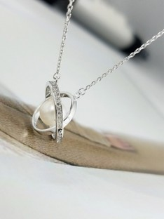 Ladies Silver Necklaces
