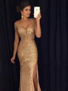 Sheath/Column V-neck Sequin Court Train Sleeveless Jersey Dresses