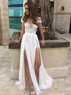 A-Line/Princess V-neck Floor-Length Sleeveless Lace Chiffon Wedding Dress