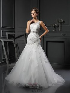 Sheath/Column Scoop Net Court Train Wedding Dress