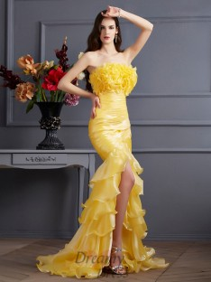 Trumpet/Mermaid Strapless Sweep/Brush Train Tulle Dress