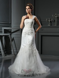 Trumpet/Mermaid Straps Satin Court Train Wedding Dress